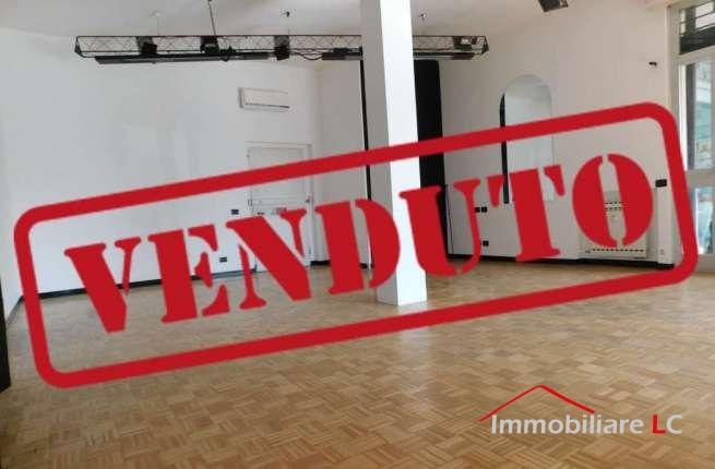 """Arese in vendita: Negozio al Centro Commerciale """"Le Mimose"""""""