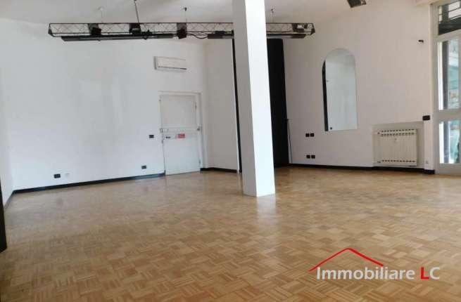 """Arese in affitto: Negozio al Centro Commerciale """"Le Mimose"""" (2)"""